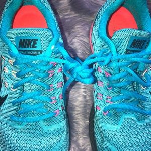 Nike Shoes - Women's Nike Air Zoom Structure 18 Trainers